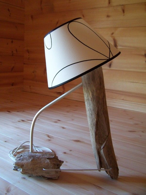 La derniere creation en bois flotte for Lampe en bois flotte creation